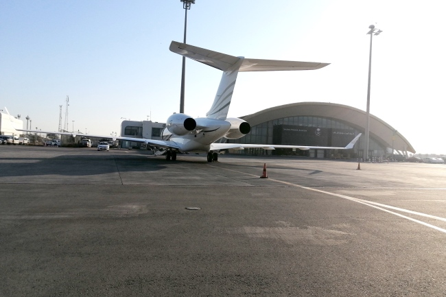 private_jet_airside
